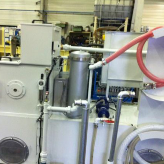Machining fluid recycling thanks to hydrostatic filters