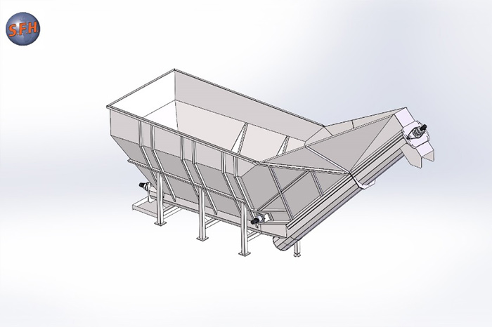 Storage hopper before the chips conveyance